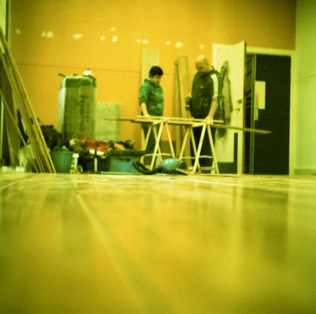 Erik Spanjers en Marscha Rogmans klussen in Studio Silvester